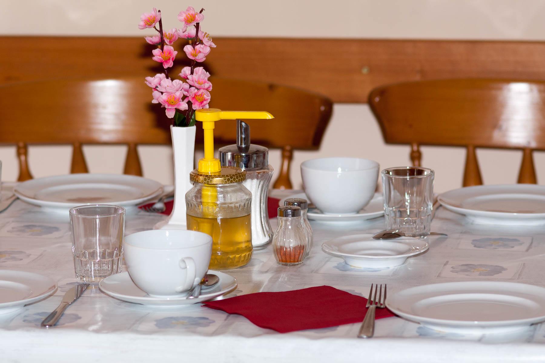 Gedeckt Tisch
